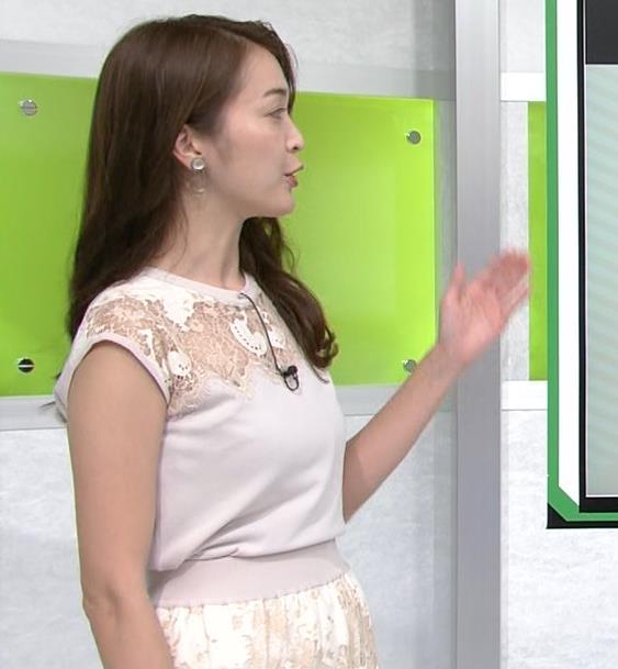 福田典子アナ レースの透け衣装キャプ・エロ画像3
