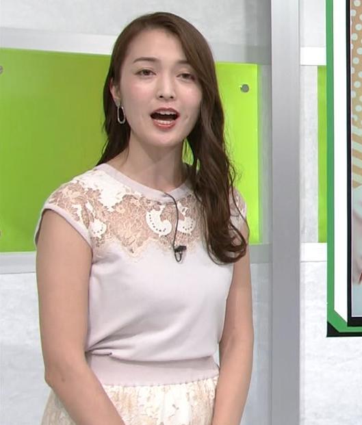 福田典子アナ レースの透け衣装キャプ・エロ画像5