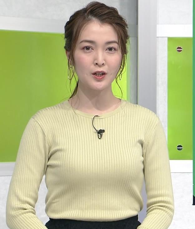 福田典子アナ おっぱいが際立つニットキャプ・エロ画像2