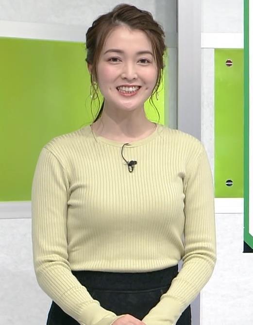 福田典子アナ おっぱいが際立つニットキャプ・エロ画像3