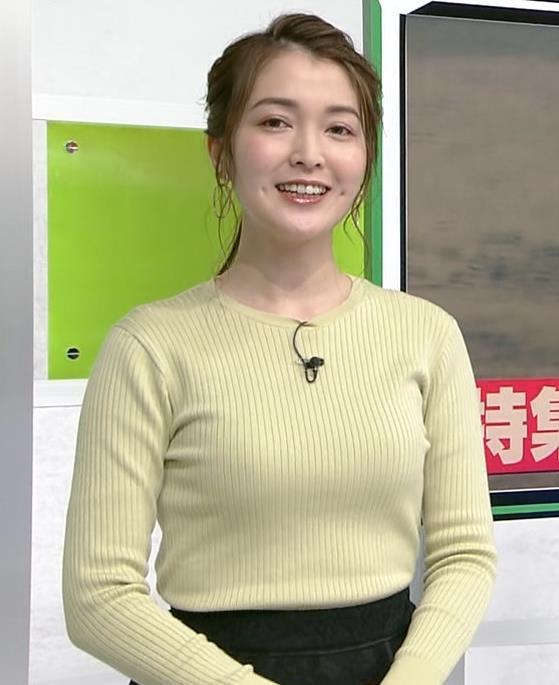 福田典子アナ おっぱいが際立つニットキャプ・エロ画像5