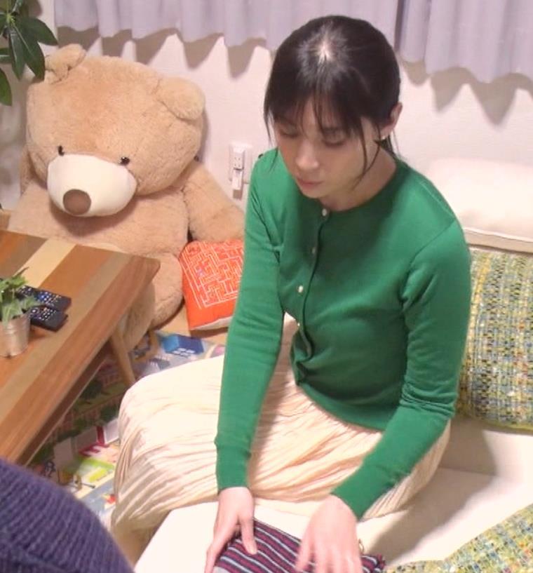 雛形あきこ 再現ドラマの横乳キャプ・エロ画像2