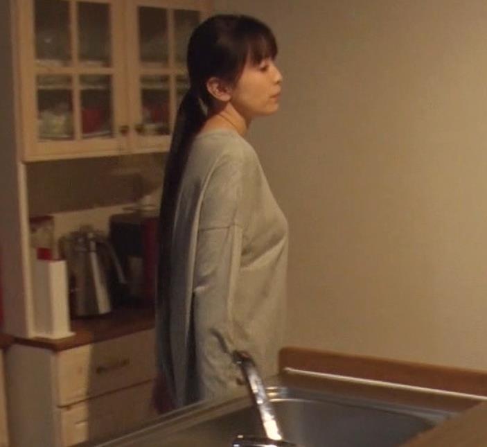 雛形あきこ 再現ドラマの横乳キャプ・エロ画像6