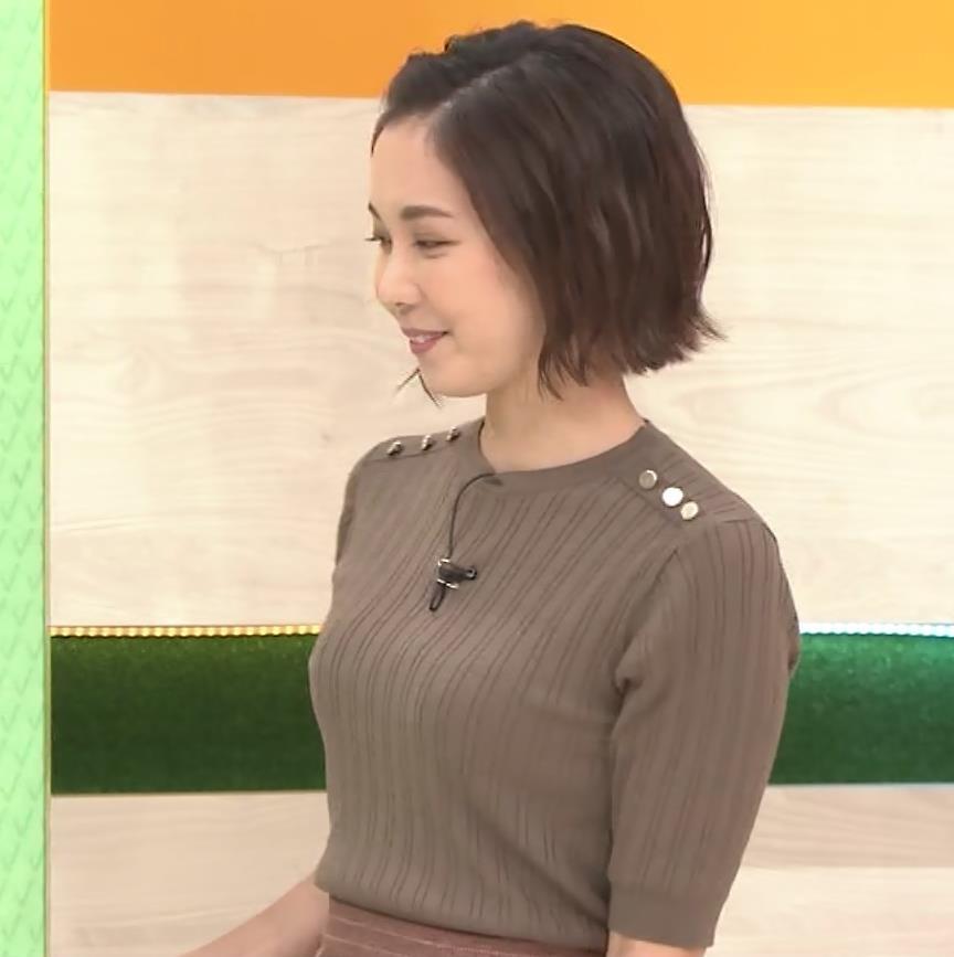 ヒロド歩美アナ 細身ニットのおっぱいキャプ・エロ画像7