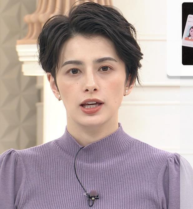 ホラン千秋 ニットのおっぱいキャプ・エロ画像6