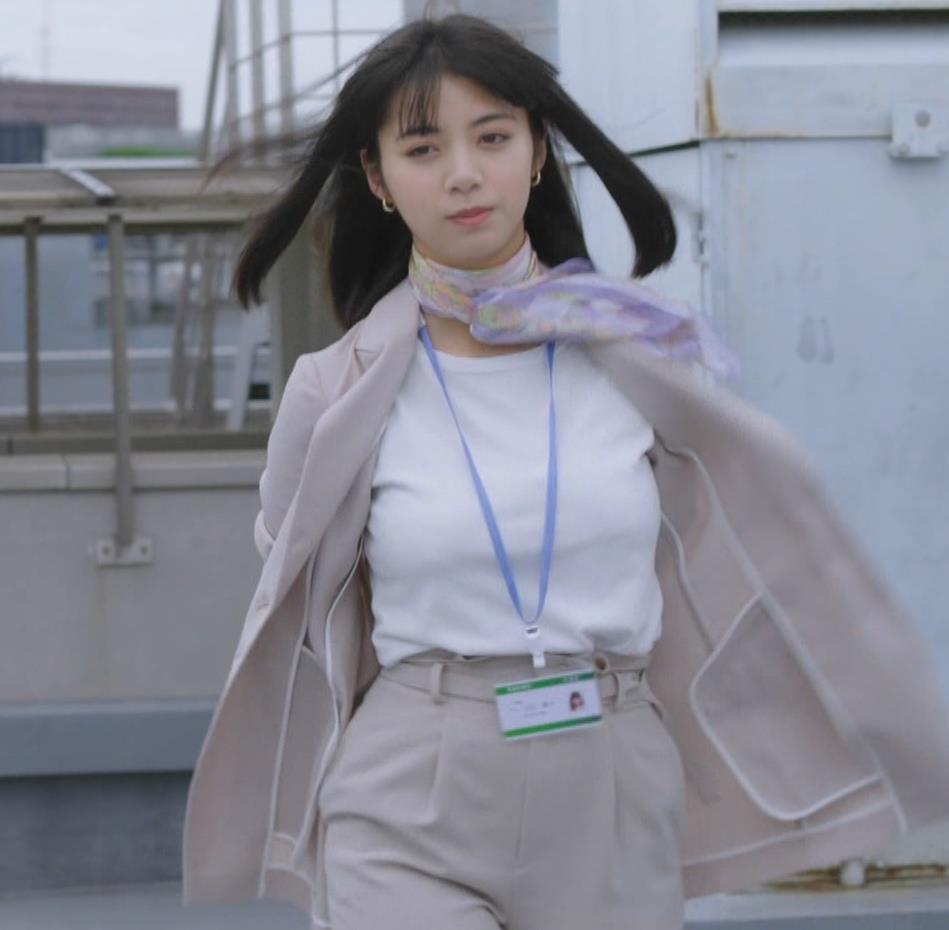 池田エライザ 着衣おっぱいキャプ・エロ画像2