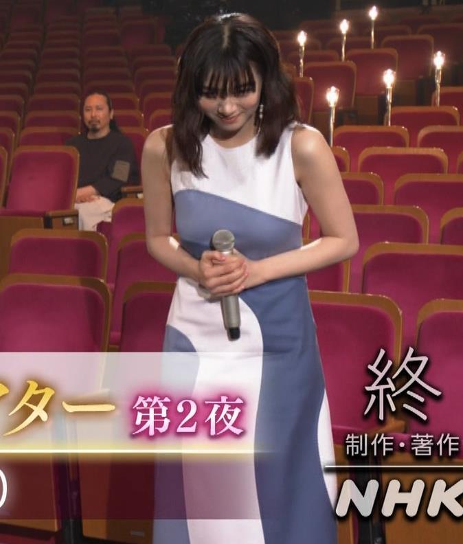 池田エライザ 胸がエロいドレスキャプ・エロ画像11