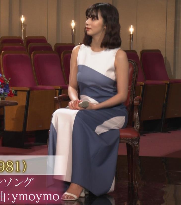 池田エライザ 胸がエロいドレスキャプ・エロ画像7
