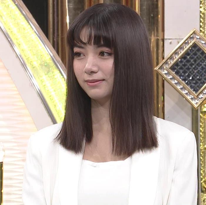 池田エライザ 短パン太ももキャプ・エロ画像