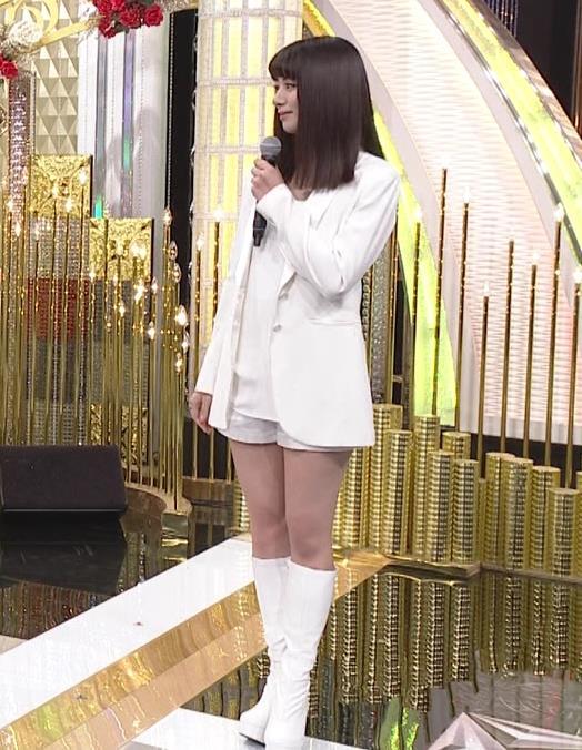 池田エライザ 短パン太ももキャプ・エロ画像3