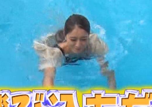 みちょぱ タンクトップおっぱいで「例のプール」に落ちるキャプ・エロ画像9