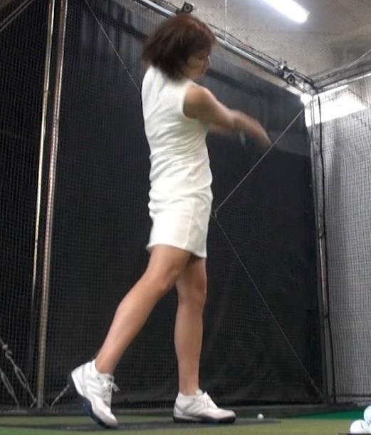 稲村亜美 ゴルフをエロくする人キャプ・エロ画像18