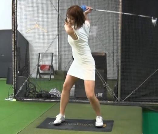 稲村亜美 ゴルフをエロくする人キャプ・エロ画像7