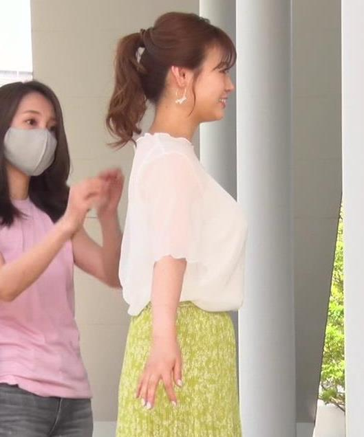 井口綾子 横乳でわかる巨乳キャプ・エロ画像3