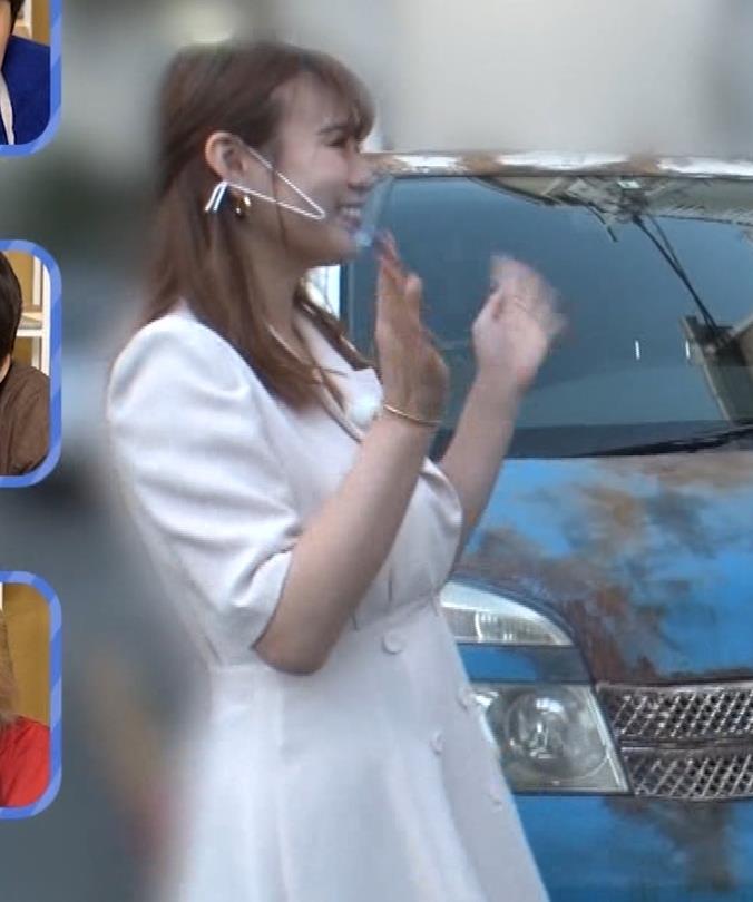 井口綾子 芸人の自宅で寝て太もも大サービスキャプ・エロ画像22