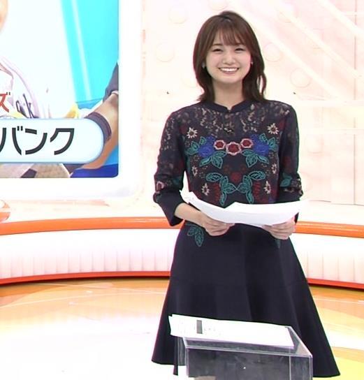 井上清華アナ ちょい透けなレースの衣装キャプ・エロ画像3