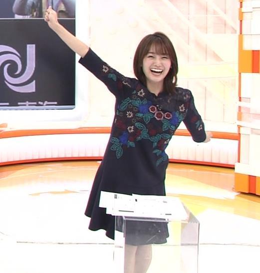 井上清華アナ ちょい透けなレースの衣装キャプ・エロ画像4
