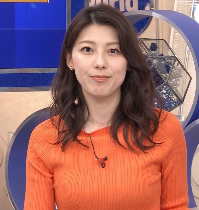上村彩子アナ スカートのスリットからチラ見え▼ゾーンキャプ・エロ画像8