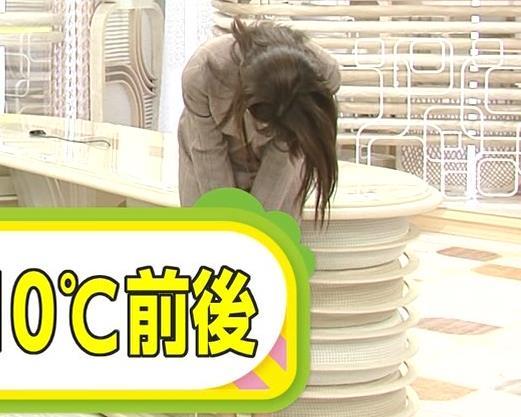 加藤綾子 スカート姿キャプ・エロ画像6