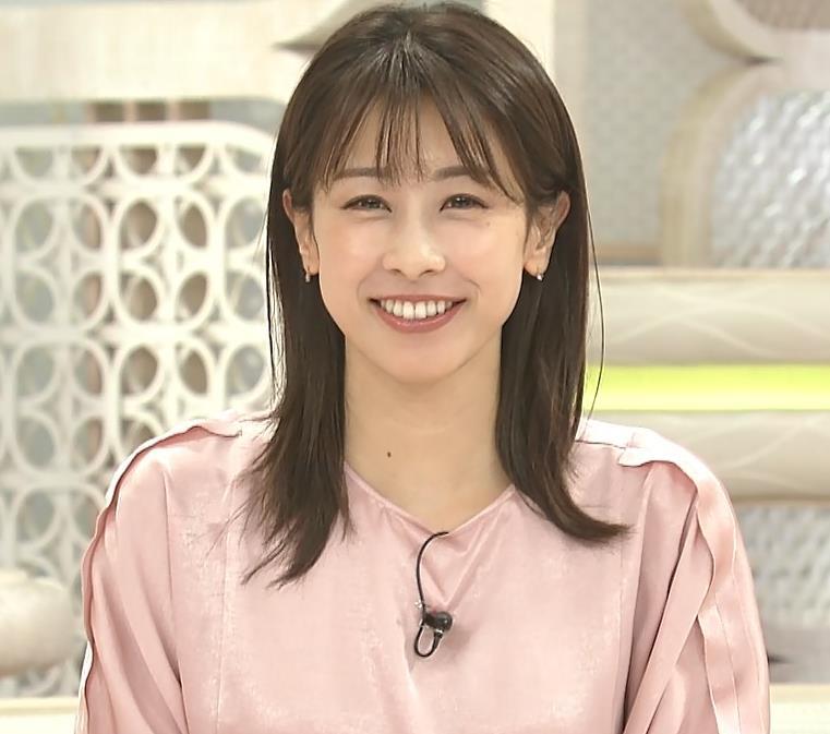 加藤綾子アナ ピンクの衣装キャプ・エロ画像6