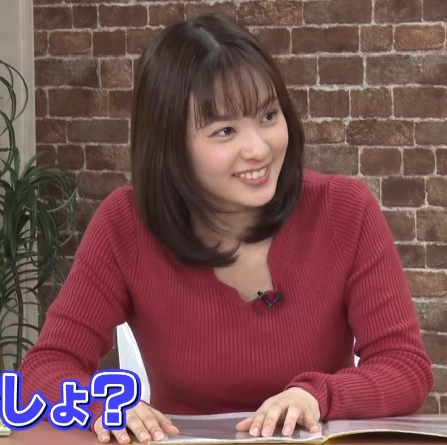 河出奈都美アナ ニットで巨乳が目立つキャプ・エロ画像