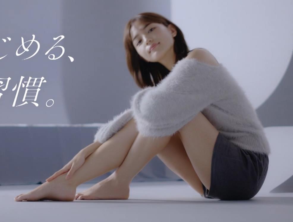 川口春奈 太ももがエロ過ぎCMキャプ・エロ画像2
