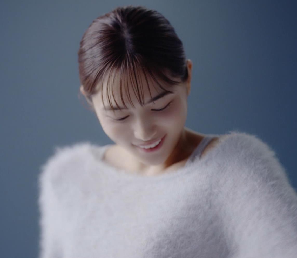川口春奈 太ももがエロ過ぎCMキャプ・エロ画像6
