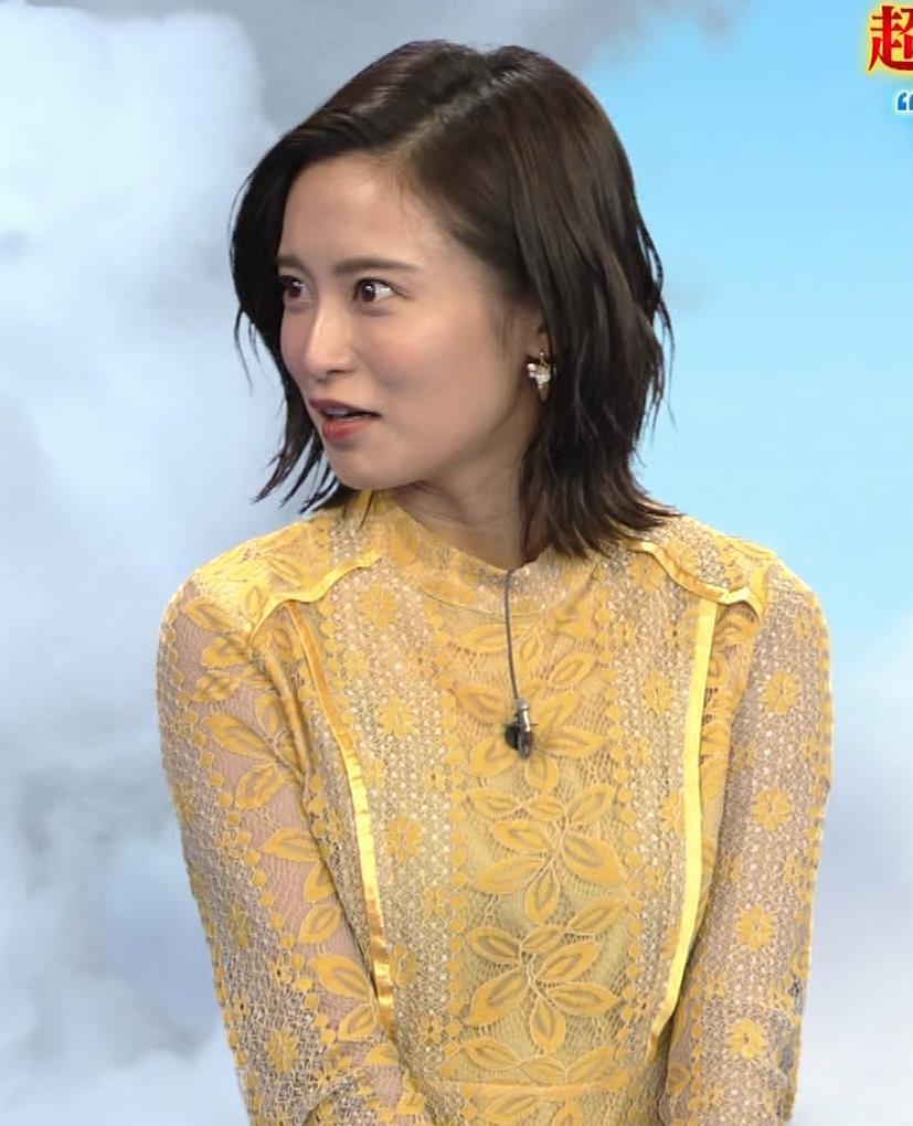 小島瑠璃子 ちょっとエッチな衣装キャプ・エロ画像