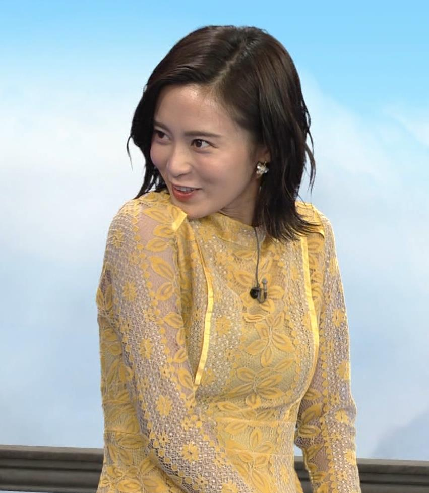 小島瑠璃子 ちょっとエッチな衣装キャプ・エロ画像4