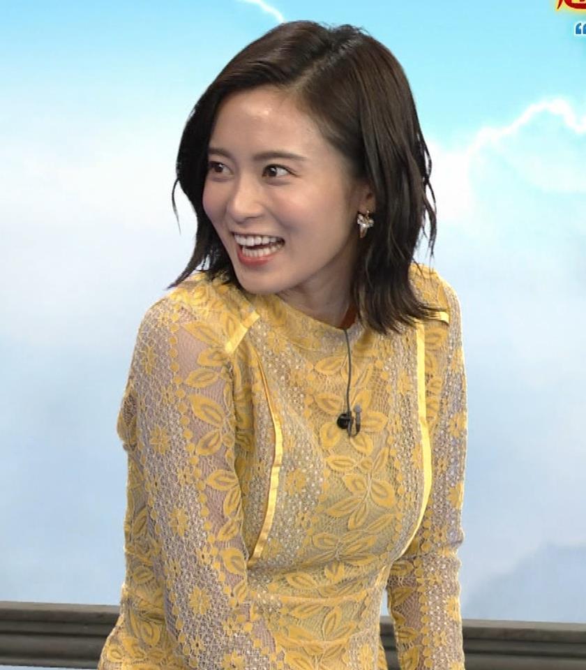 小島瑠璃子 ちょっとエッチな衣装キャプ・エロ画像5