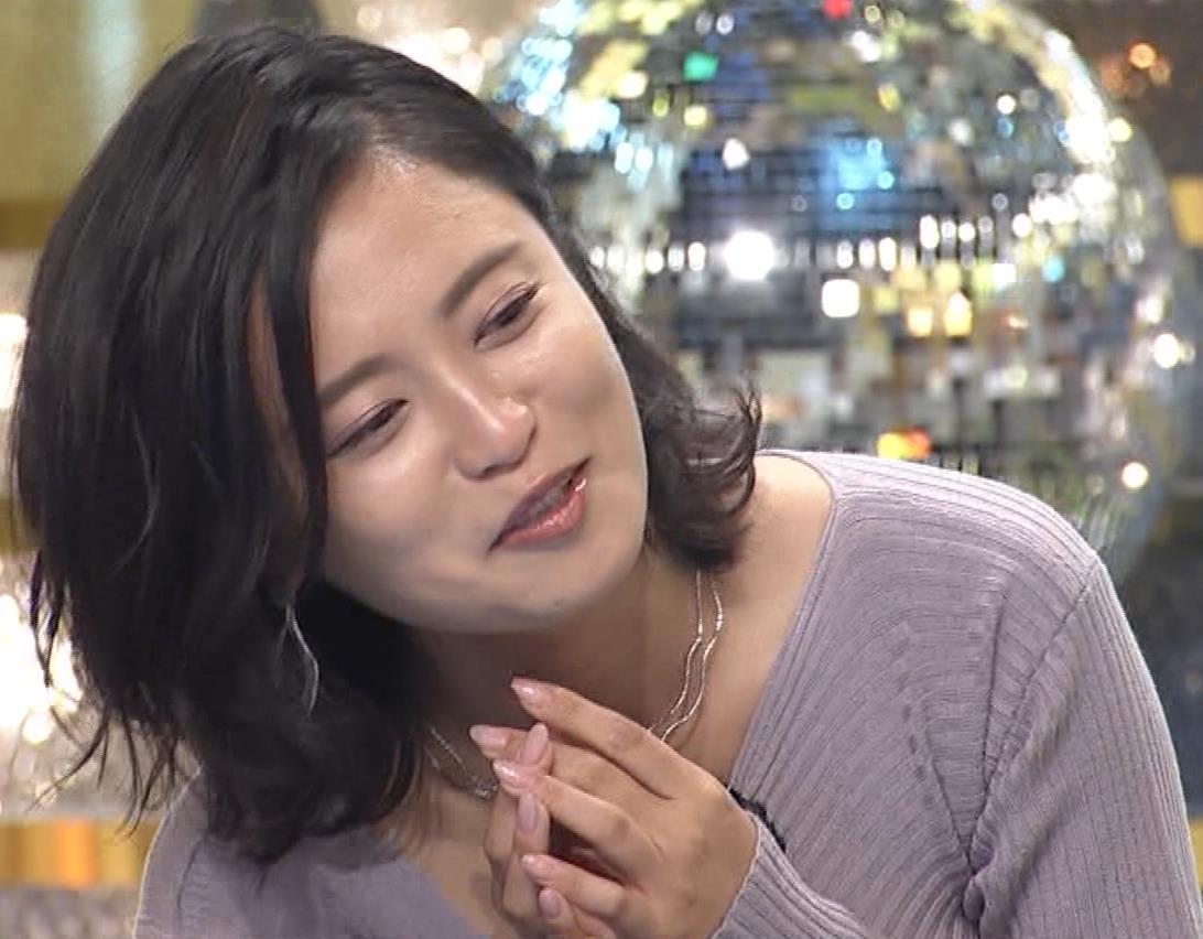 小島瑠璃子 おっぱいが揺れるカラオケ番組[動画]キャプ・エロ画像