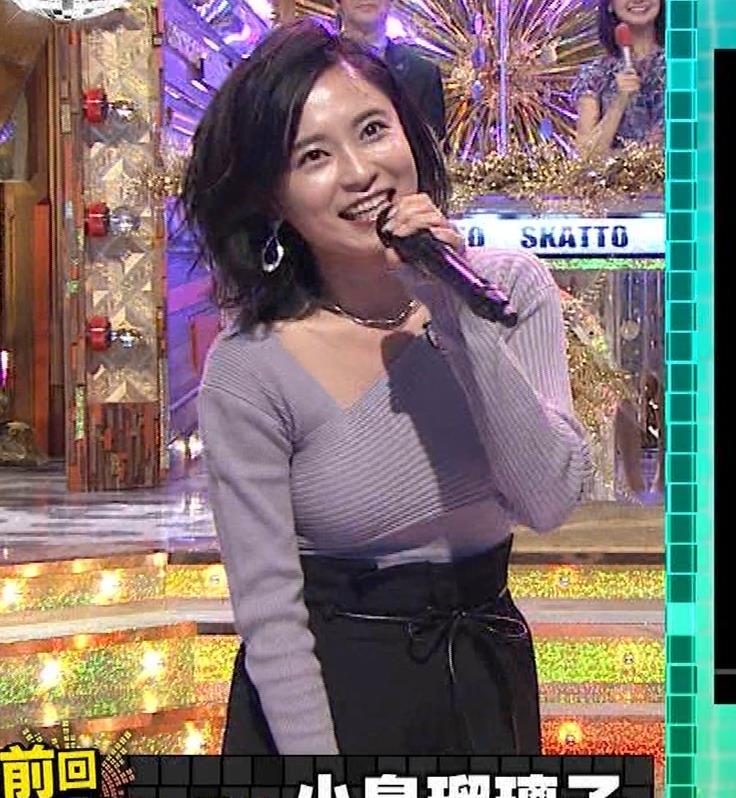 小島瑠璃子 おっぱいが揺れるカラオケ番組[動画]キャプ・エロ画像4