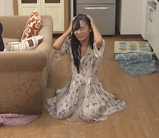 小島瑠璃子 濡れ透けキャプ・エロ画像3