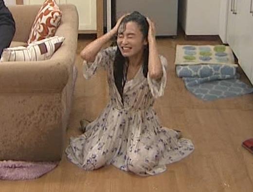小島瑠璃子 濡れ透けキャプ・エロ画像4