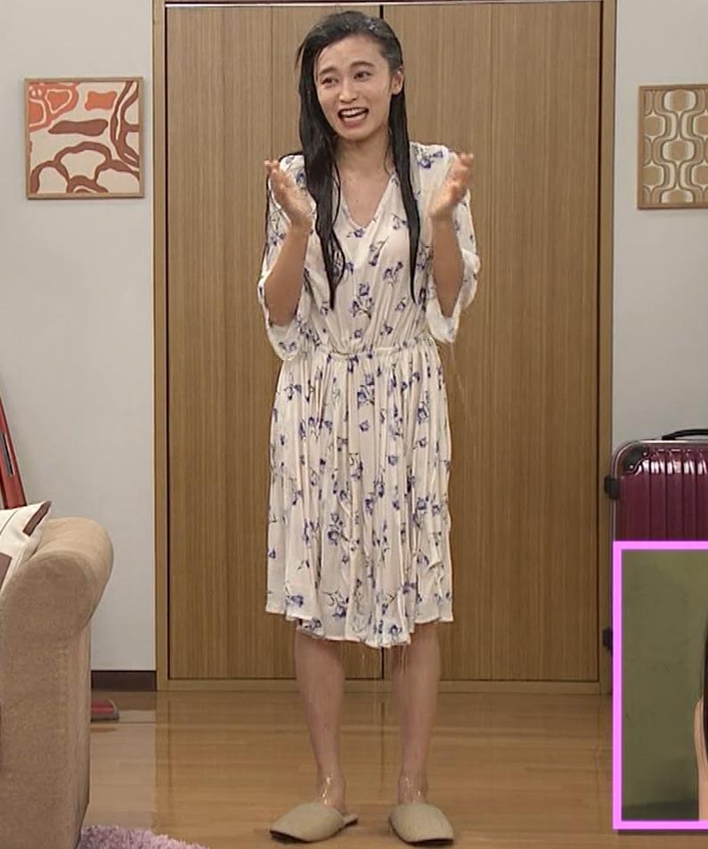 小島瑠璃子 濡れ透けキャプ・エロ画像5