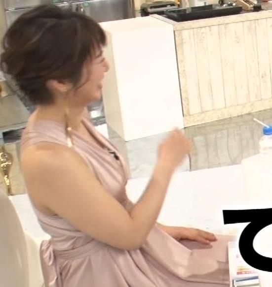 久保田直子アナ セクシードレスの横乳キャプ・エロ画像9