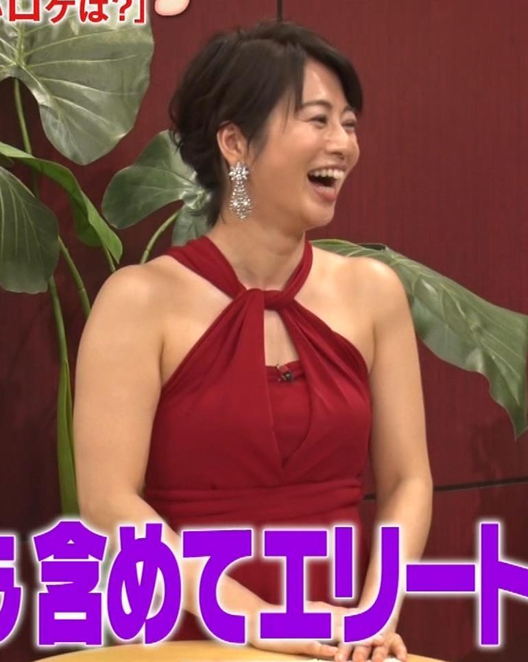 久保田直子アナ 露出度の高いインフィニットドレスキャプ・エロ画像11