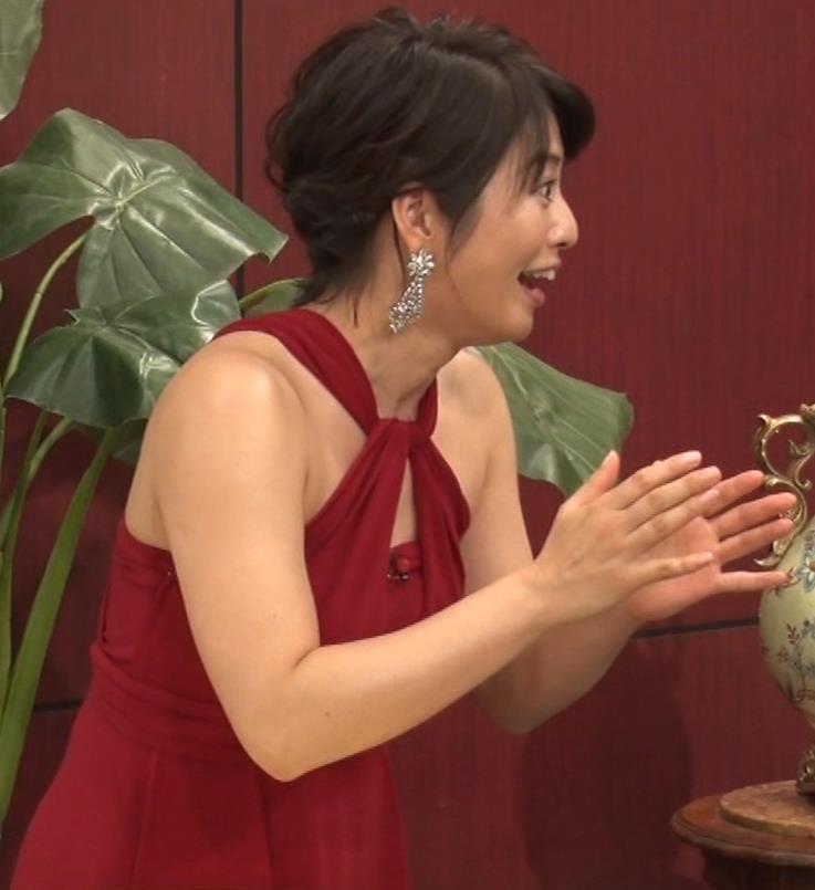 久保田直子アナ 露出度の高いインフィニットドレスキャプ・エロ画像12