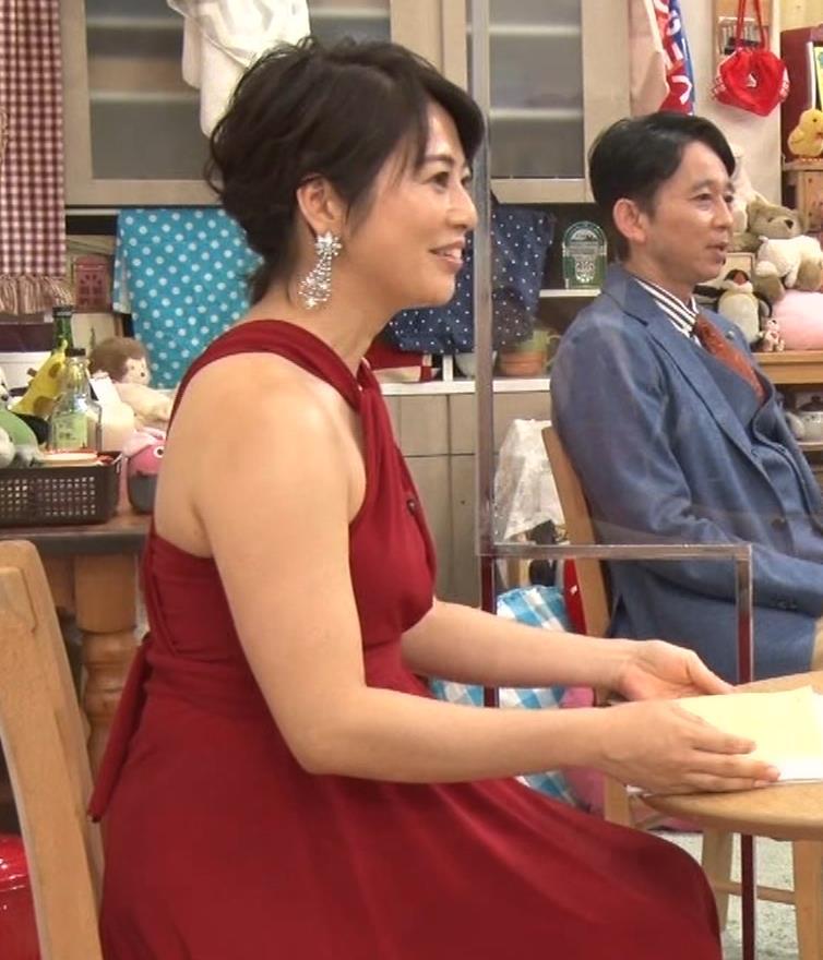 久保田直子アナ 露出度の高いインフィニットドレスキャプ・エロ画像13