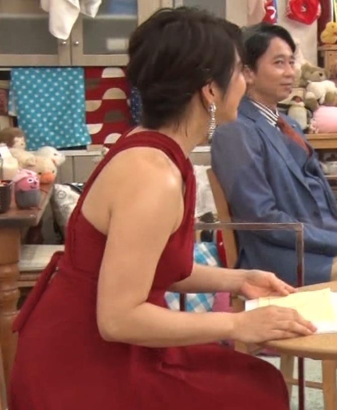 久保田直子アナ 露出度の高いインフィニットドレスキャプ・エロ画像14