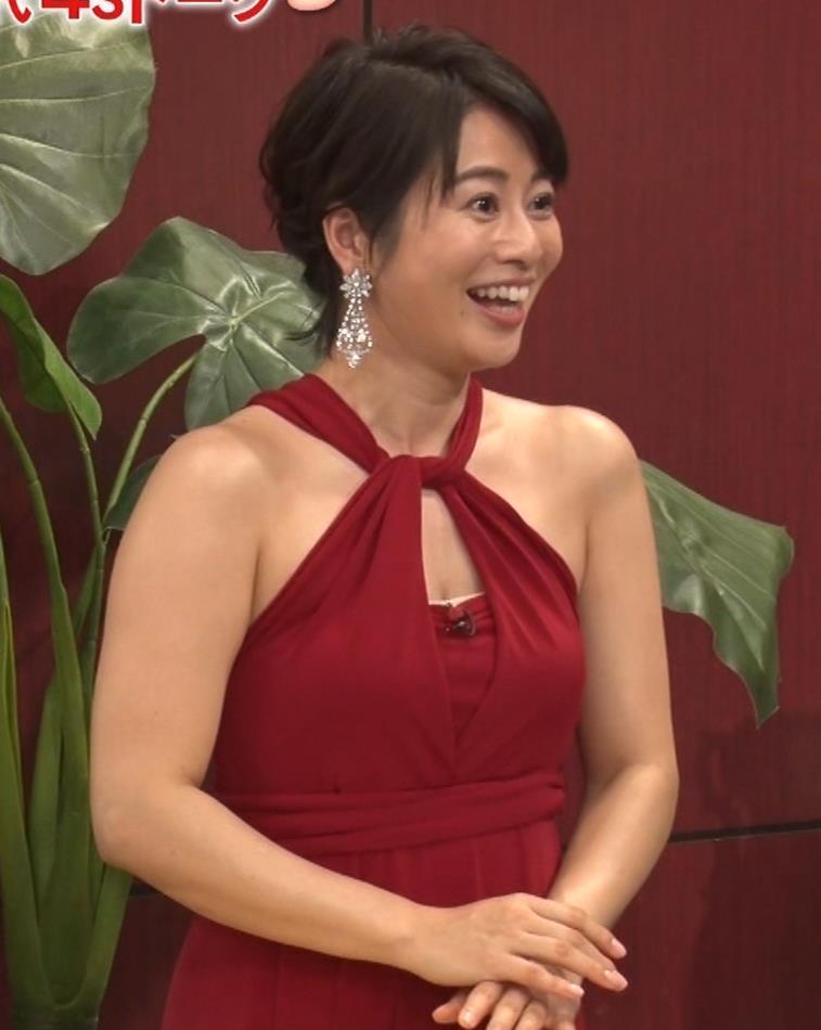 久保田直子アナ 露出度の高いインフィニットドレスキャプ・エロ画像5
