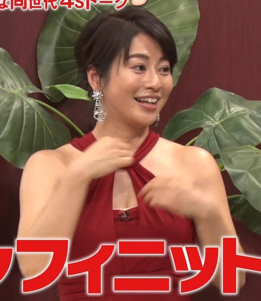 久保田直子アナ 露出度の高いインフィニットドレスキャプ・エロ画像6