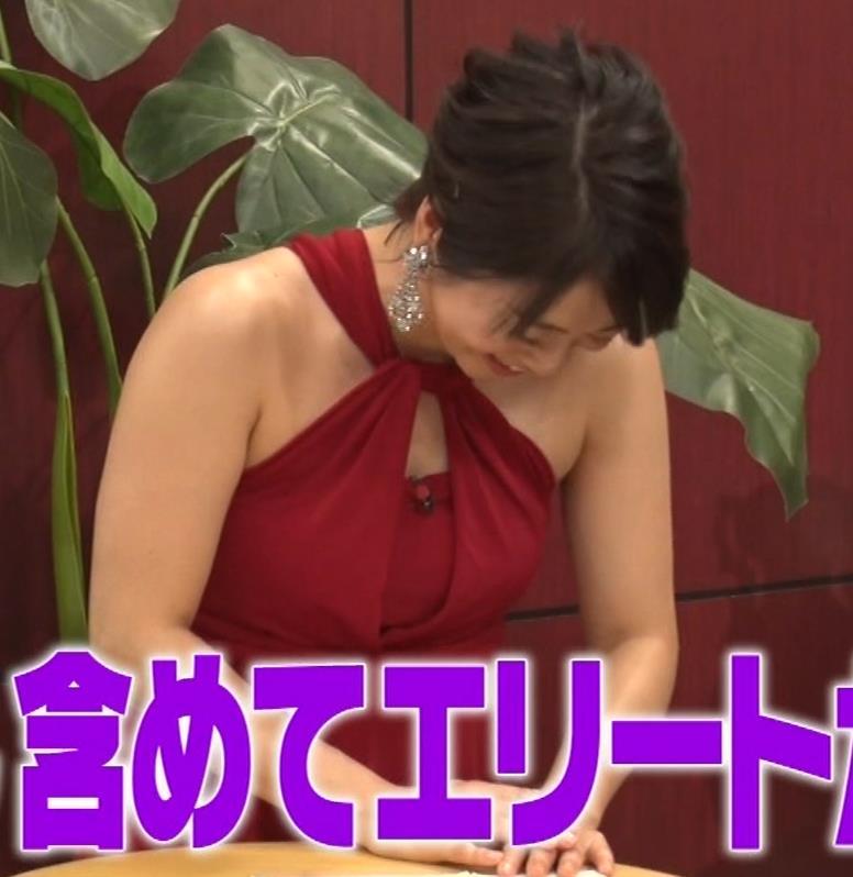 久保田直子アナ 露出度の高いインフィニットドレスキャプ・エロ画像10