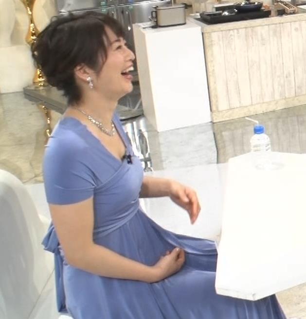 久保田直子アナ 胸元セクシーなワンピースキャプ・エロ画像9