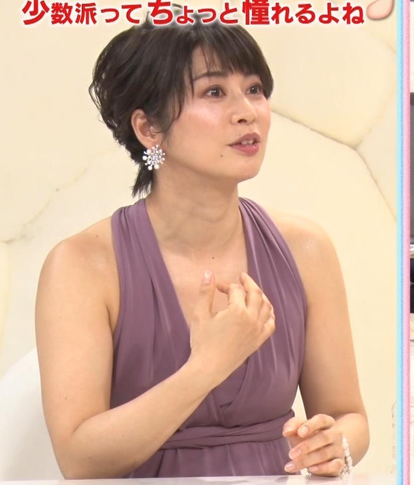 アナ セクシーなドレスの横乳キャプ・エロ画像4
