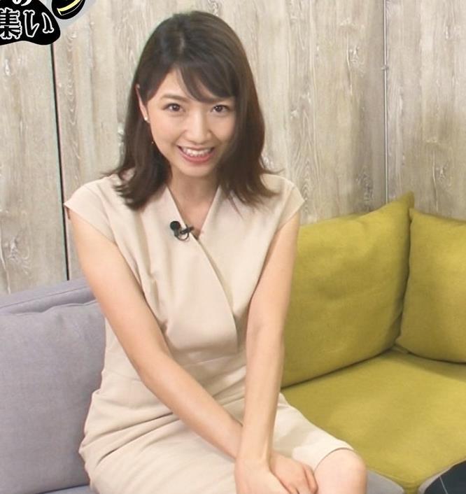 三田友梨佳アナ セクシーなミニスカートキャプ・エロ画像4