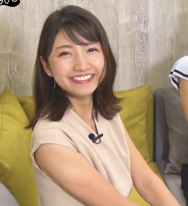三田友梨佳アナ セクシーなミニスカートキャプ・エロ画像5