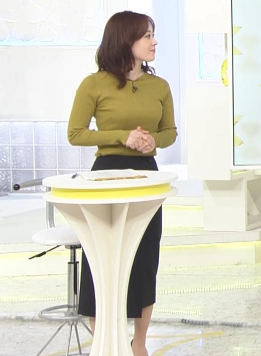 水卜麻美アナ ピチピチニットのおっぱいキャプ・エロ画像9