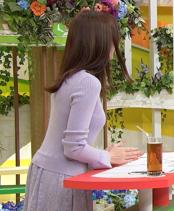 森香澄アナ クッキリ横乳キャプ・エロ画像2
