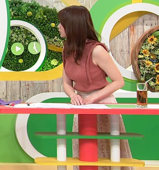 森香澄アナ ノースリーブのニットおっぱい♡がエロ過ぎるキャプ・エロ画像8